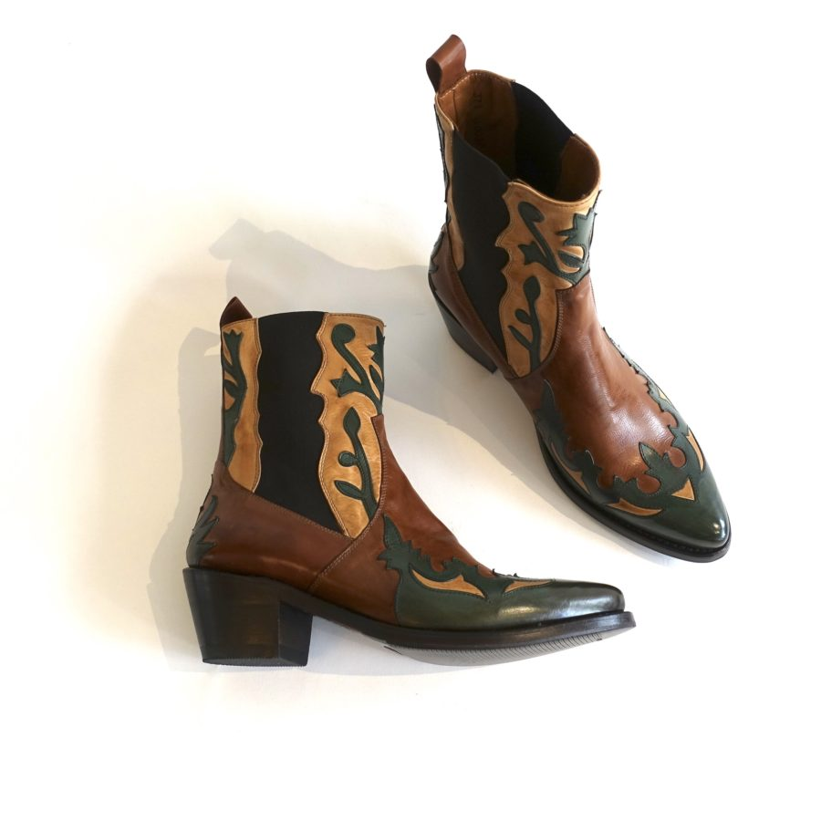 1 Western Boots CHF 382