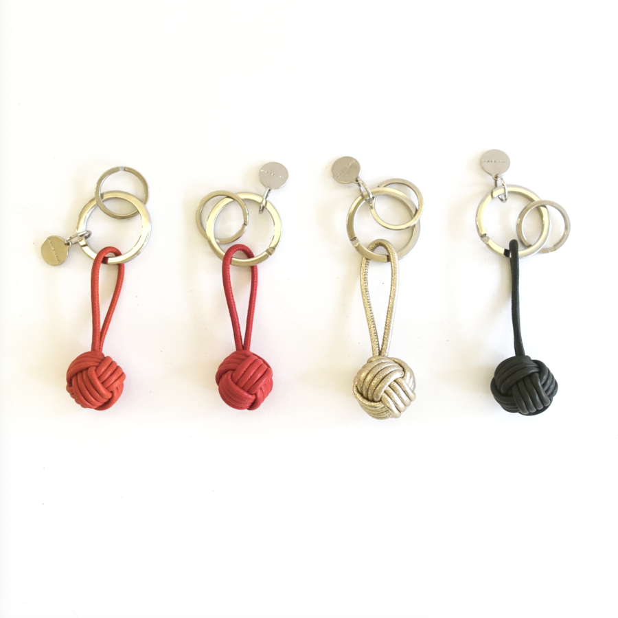 2 Schlüsselanhänger Nappaknopf